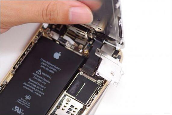 苹果6 内置卡贴安装_iPhone 6内置卡贴飞线方式_手机维修培训_兰德手机维修培训学校